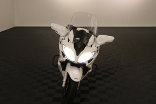 2015 Yamaha FJR1300A White Manual.