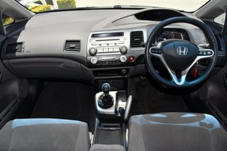 2009 Honda Civic 8th Gen MY09 VTi-L Silver 5 Speed Manual Sedan.