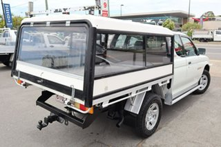 2002 Mitsubishi Triton MK MY02 GLX White 5 Speed Manual Cab Chassis.