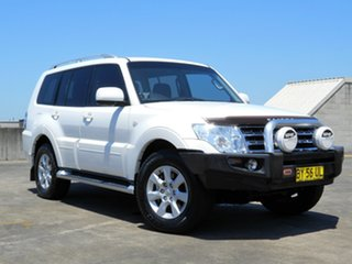 2010 Mitsubishi Pajero NT MY10 GLS White 5 Speed Sports Automatic Wagon.
