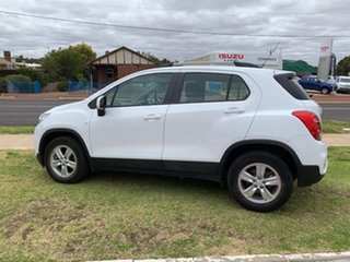 2018 Holden Trax LS White 6 Speed Automatic Wagon.