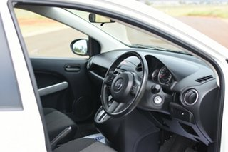 2013 Mazda 2 DE MY13 Neo White 4 Speed Automatic Hatchback