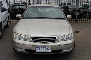 2004 Holden Statesman WK Gold 4 Speed Automatic Sedan.