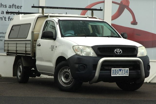 Pre-Owned Toyota Hilux TGN16R MY09 Workmate 4x2 Ferntree Gully, 2009 Toyota Hilux TGN16R MY09 Workmate 4x2 White 5 Speed Manual Cab Chassis