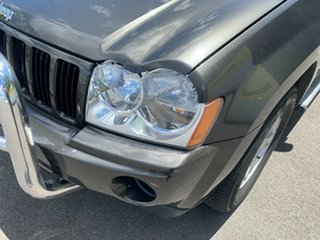 2005 Jeep Grand Cherokee WH MY2006 Laredo Grey 5 Speed Automatic Wagon.