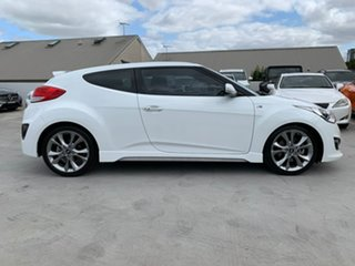 2016 Hyundai Veloster FS4 Series II SR Coupe Turbo White 6 Speed Manual Hatchback.