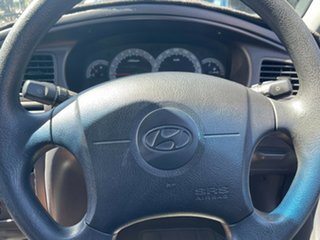 2002 Hyundai Elantra XD GL Gold 4 Speed Automatic Sedan