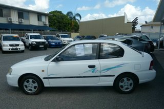 2000 Hyundai Accent LC GL White 5 Speed Manual Hatchback
