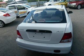2000 Hyundai Accent LC GL White 5 Speed Manual Hatchback.