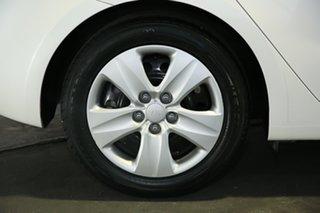 2016 Kia Cerato YD MY17 S White 6 Speed Sports Automatic Hatchback