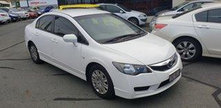 2010 Honda Civic 8th Gen MY10 VTi White 5 Speed Manual Sedan.