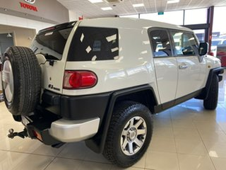 2014 Toyota FJ Cruiser GSJ15R MY14 White 5 Speed Automatic Wagon