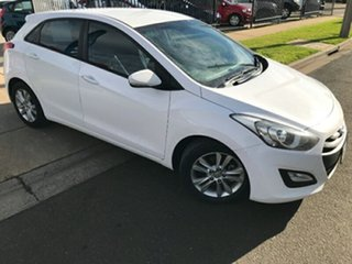 2014 Hyundai i30 GD2 MY14 Trophy Creamy White 6 Speed Sports Automatic Hatchback.