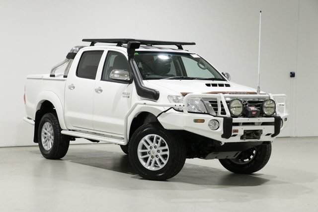 Used Toyota Hilux KUN26R MY12 SR5 (4x4) Bentley, 2013 Toyota Hilux KUN26R MY12 SR5 (4x4) White 5 Speed Manual Dual Cab Pick-up