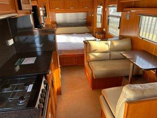 2009 Paramount Delta Caravan