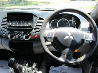 2014 Mitsubishi MN TRITON GLX White Manual CREWCAB UTILITY