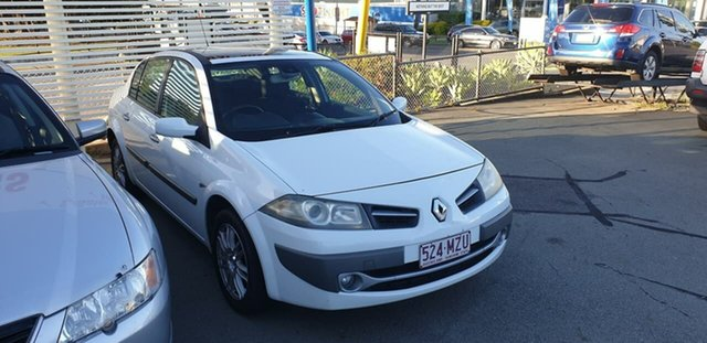 Used Renault Megane II L84 Phase II Exception Mount Gravatt, 2009 Renault Megane II L84 Phase II Exception White 4 Speed Automatic Sedan