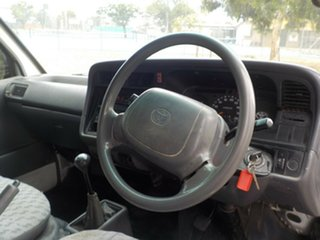 2002 Toyota HiAce RZH103R SWB 5 Speed Manual Van