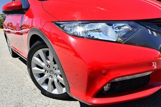 2013 Honda Civic 9th Gen MY13 VTi-LN Red/Black 5 Speed Sports Automatic Hatchback.