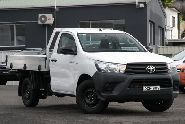 Used Toyota Hilux TGN121R Workmate 4x2 Brookvale, 2015 Toyota Hilux TGN121R Workmate 4x2 White 5 Speed Manual Cab Chassis