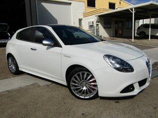 2012 Alfa Romeo Giulietta Series 0 MY12 Distinctive TCT JTD-M White 6 Speed.