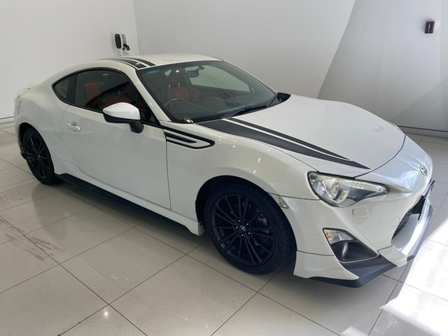 Used Toyota 86 ZN6 Blackline Edition Aspley, 2015 Toyota 86 ZN6 Blackline Edition White 6 Speed Sports Automatic Coupe