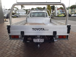 2014 Toyota Hilux TGN16R MY14 Workmate 4x2 5 Speed Manual Cab Chassis