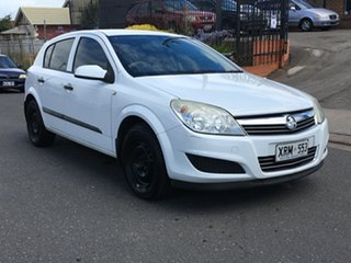 2007 Holden Astra AH MY07 CD White 4 Speed Automatic Hatchback.
