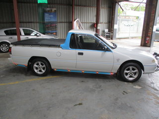 2000 Holden Commodore VSIII White 4 Speed Automatic Utility.