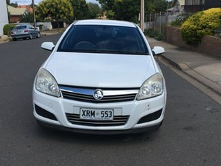 2007 Holden Astra AH MY07 CD White 4 Speed Automatic Hatchback