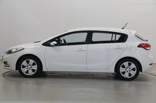 2015 Kia Cerato YD MY15 S White 6 Speed Sports Automatic Hatchback.