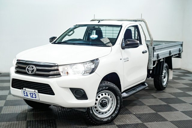 Used Toyota Hilux GUN126R SR Edgewater, 2017 Toyota Hilux GUN126R SR White 6 Speed Sports Automatic Cab Chassis