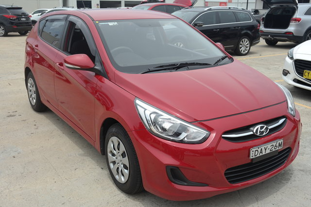 Used Hyundai Accent RB2 MY15 Active Maryville, 2015 Hyundai Accent RB2 MY15 Active Red 4 Speed Sports Automatic Hatchback