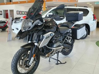 2016 BMW R1200GS Triple Black 1200cc.