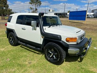 2011 Toyota FJ Cruiser GSJ15R White 5 Speed Automatic Wagon.