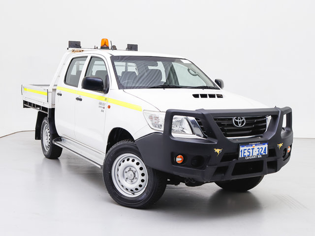 Used Toyota Hilux KUN26R MY14 SR (4x4), 2015 Toyota Hilux KUN26R MY14 SR (4x4) White 5 Speed Automatic Double Cab Chassis