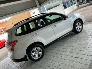 2014 Subaru Forester 2.5I White Constant Variable Wagon