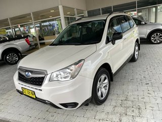2014 Subaru Forester 2.5I White Constant Variable Wagon.
