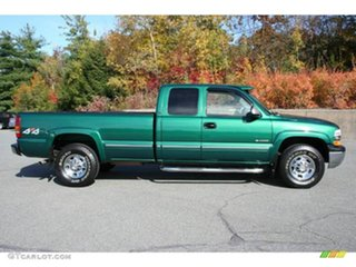 2004 Chevrolet Silverado (No Series) 2500HD Green Automatic Utility.