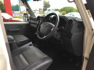 2011 Toyota Landcruiser VDJ76R 09 Upgrade Workmate (4x4) White 5 Speed Manual Wagon