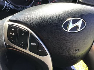 2013 Hyundai i30 GD2 MY14 Trophy White 6 Speed Manual Hatchback