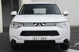 2013 Mitsubishi Outlander ZJ MY13 ES 2WD White 6 Speed Constant Variable Wagon