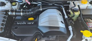 2007 Holden Captiva CG SX AWD White 5 Speed Manual Wagon.