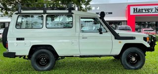 1996 Toyota Landcruiser HZJ75RV Troopcarrier White 5 Speed Manual Hardtop.