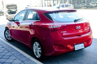 2012 Hyundai i30 GD Elite Red/Black 6 Speed Sports Automatic Hatchback.