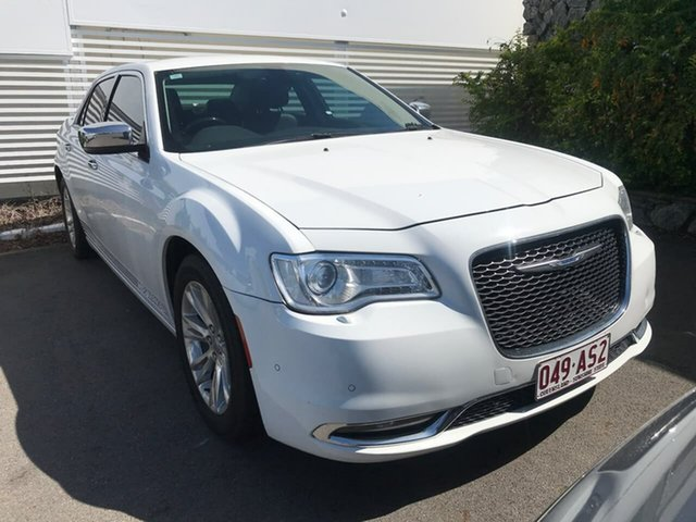 Used Chrysler 300 LX MY15 C E-Shift Mount Gravatt, 2015 Chrysler 300 LX MY15 C E-Shift White 8 Speed Sports Automatic Sedan