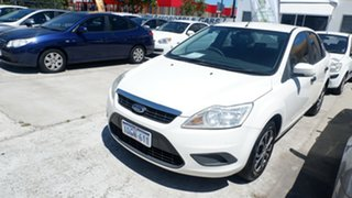 2009 Ford Focus White.