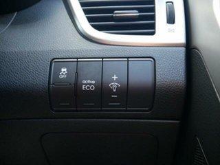 2015 Hyundai i30 GD MY14 SE Red 6 Speed Automatic Hatchback