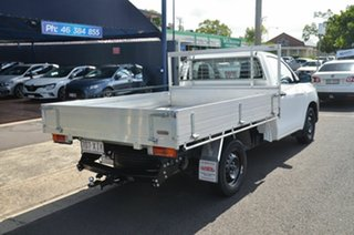 2017 Toyota Hilux TGN121R MY17 Workmate White 5 Speed Manual Cab Chassis.
