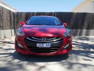 2015 Hyundai i30 GD MY14 SE Red 6 Speed Automatic Hatchback.